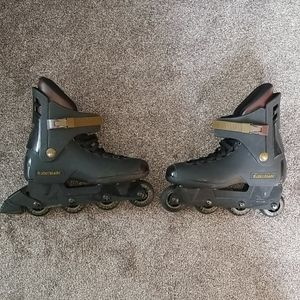 Rollerblade size  11 in line skates and pads.